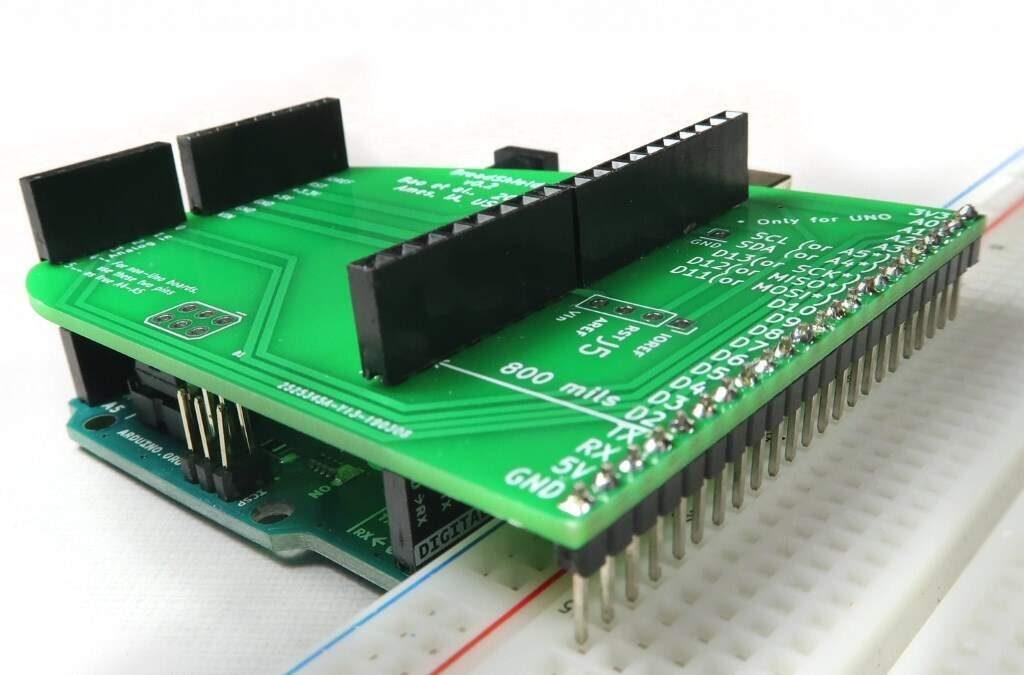 max0492-03-arduino-breakout-board-1024x675.jpg